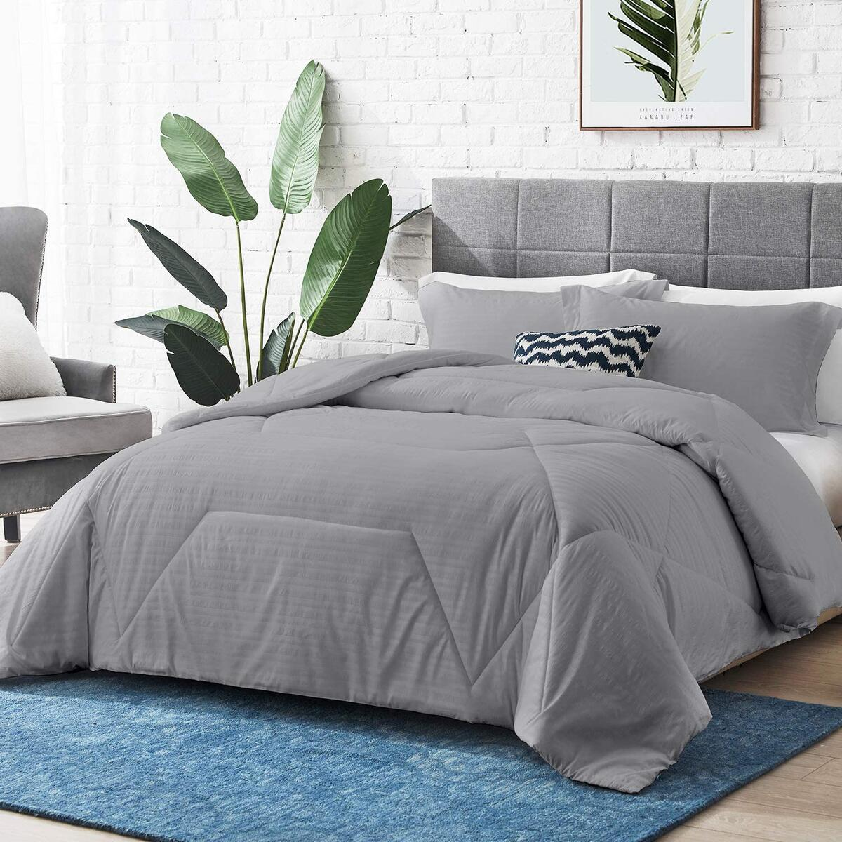 """Hansleep Pillow Shams Set of 2 Standard Size, Bedding Embossed Ultra Soft Brushed Pillow Sham, Machine Washable (Grey, Queen 20x30"""")"""