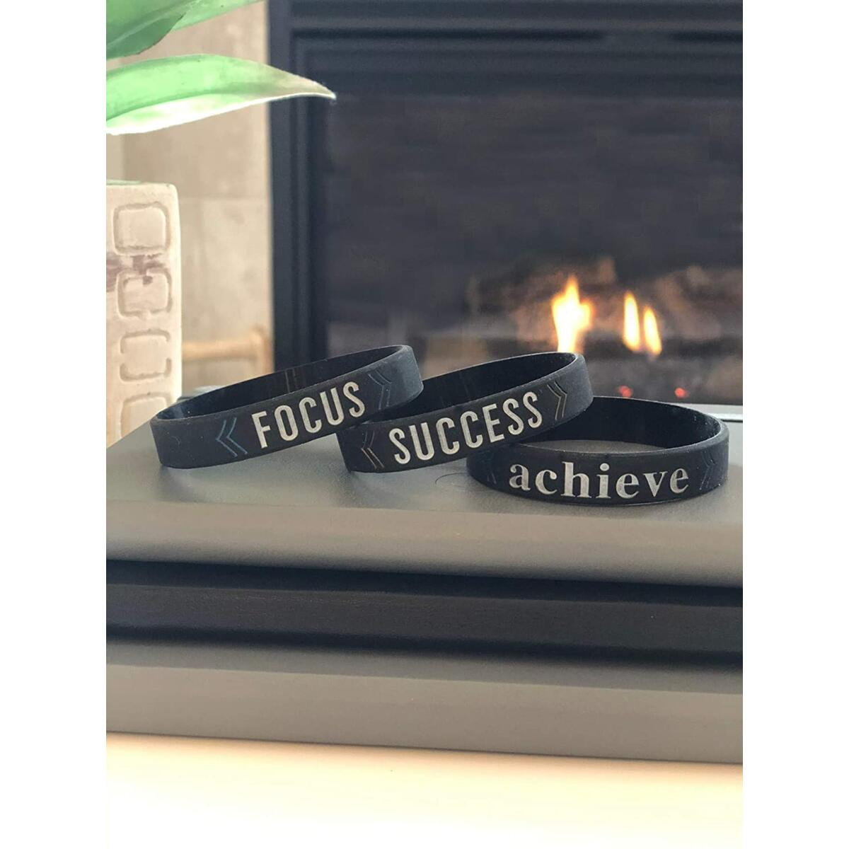 Motivational Silicone Wristband Bracelets for Men Women Teens with Inspirational messages - SUCCESS / ACHIEVE / FOCUS - Unisex Size 6-Pack