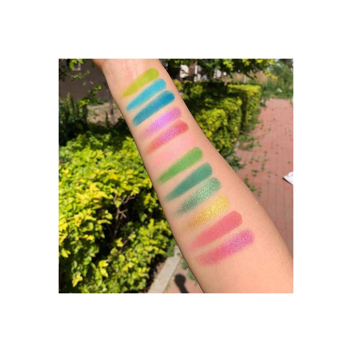 24 Color Eyeshadow Glitter Palette