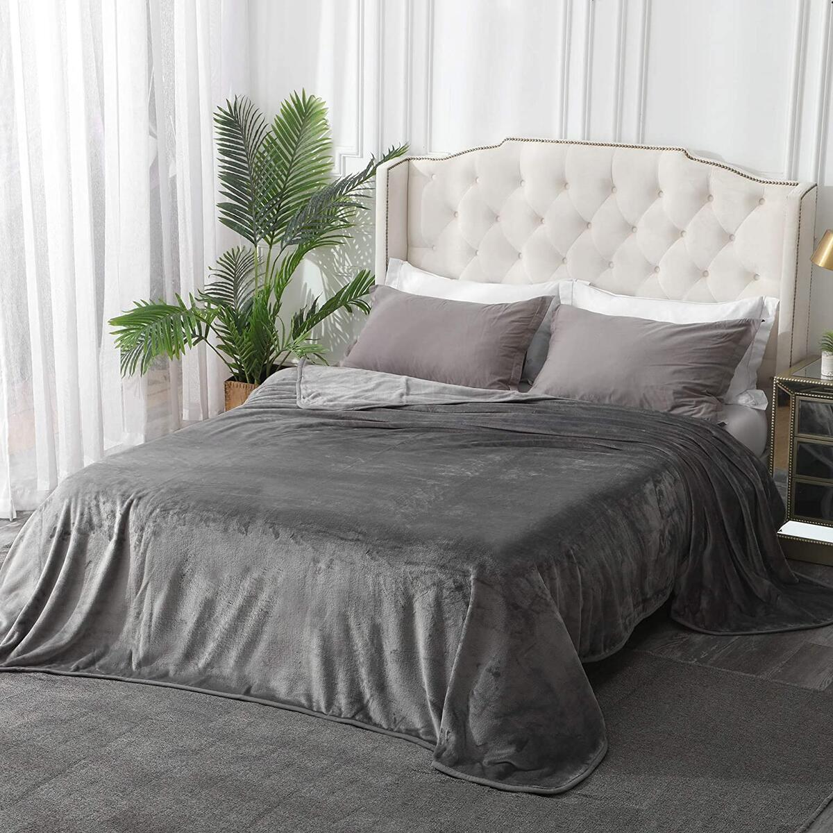 Leeden Ultra Soft Throw Blanket King Size All Season Flannel Fleece Blankets Throws for Couch Sofa Bed Plush Thick Warm Fuzzy Anti-Static Lightweight Microfiber (Dark Grey,108