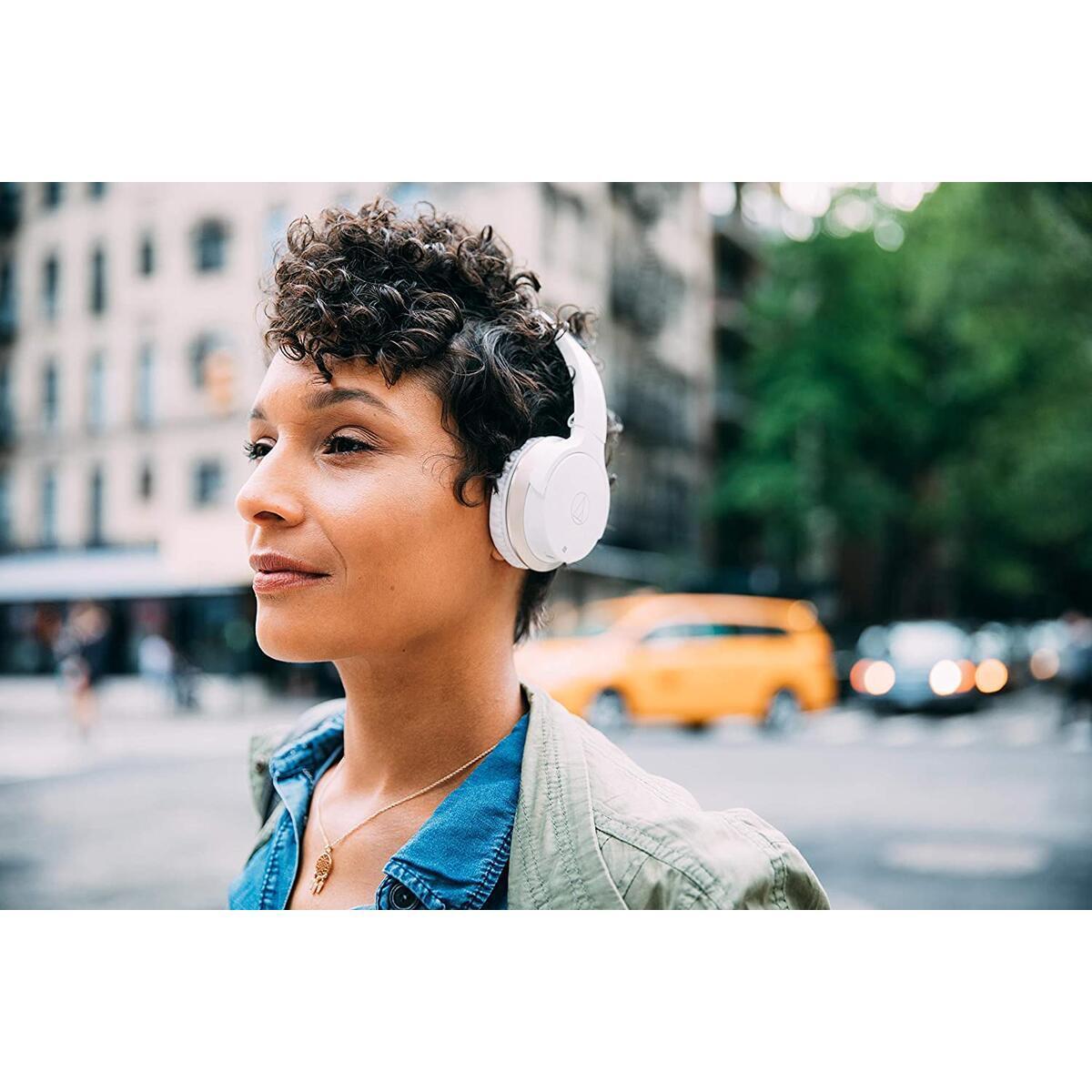 Audio-Technica ATH-AR3BTWH SonicFuel Bluetooth Wireless On-Ear Headphones with Mic & Control, White