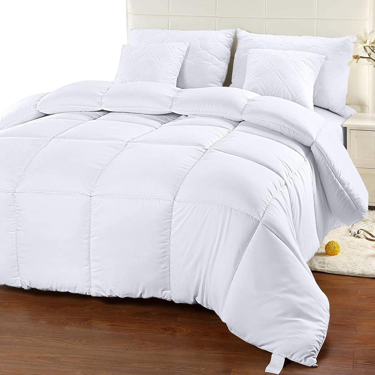 Comforter Duvet Insert - Quilted Comforter with Corner Tabs - Box Stitched Down Alternative Comforter (King, White)