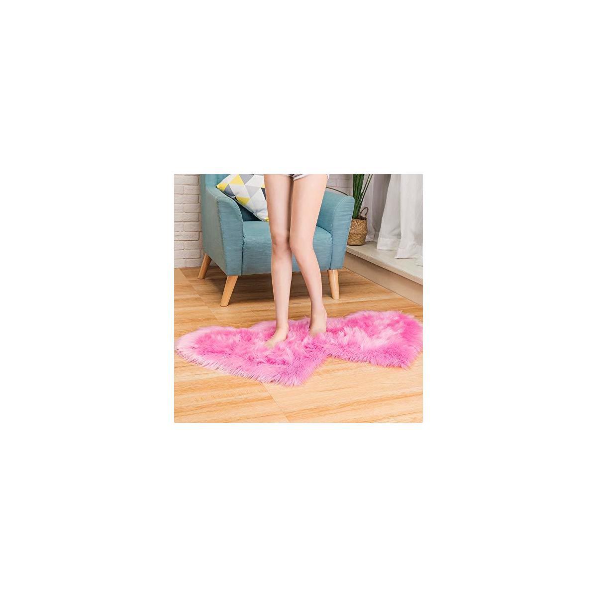 Heart Shape Area Rug Soft Fluffy Rugs Bedside Fur Rugs for Bedroom, Fluffy Kids Carpet Shaggy Floor Sofa Living Room, 2x4 Feet, AILISI
