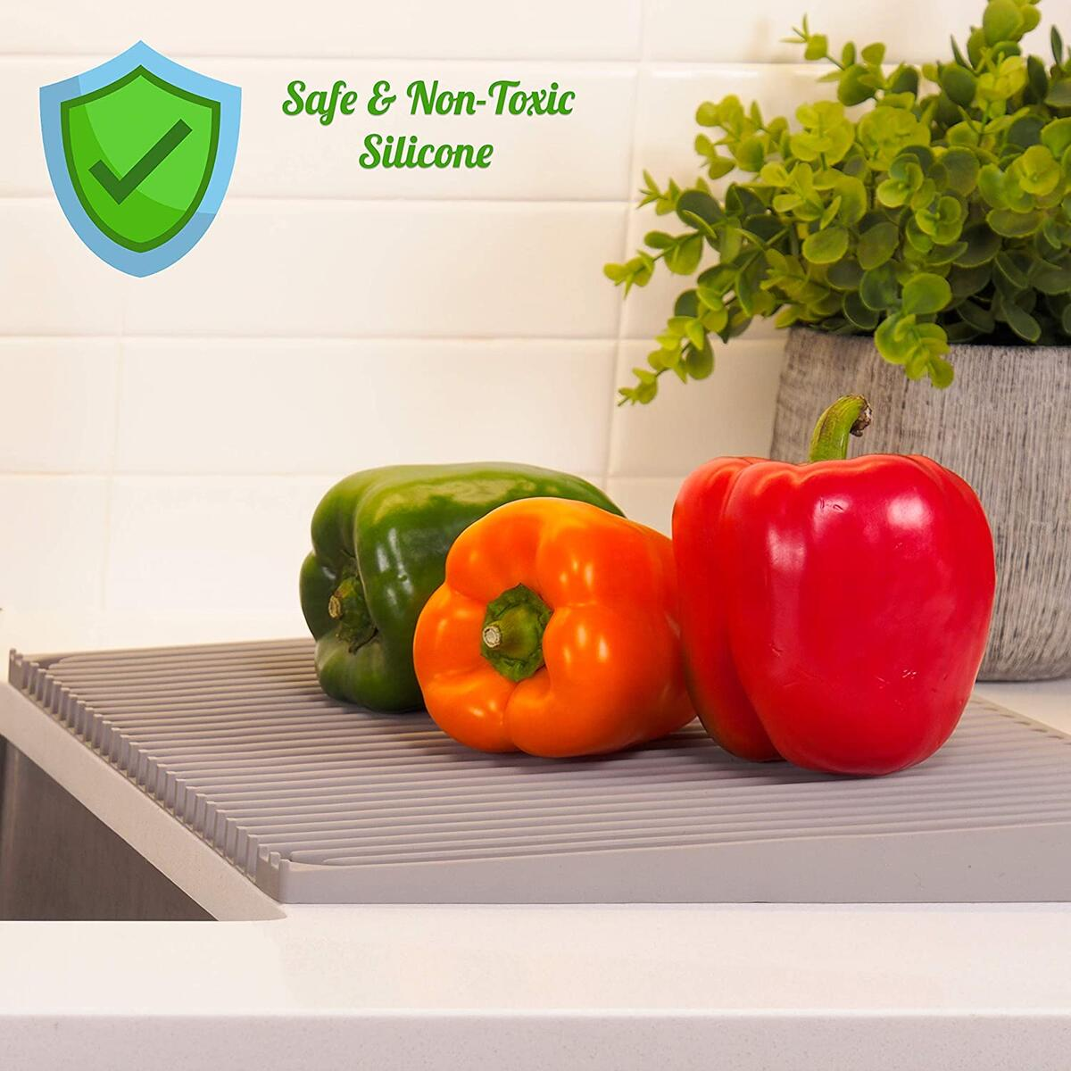 NIUHOM Silicone Drying Mat - Self-Draining Kitchen Counter Mat for drying Dishes, Cups, Vegetables and Fruits - Wedge Shaped