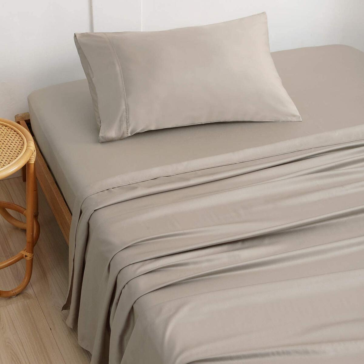 IBAMA 100% Bamboo Bed Sheet Set with Pillowcases 3 Pieces Including Mattress Protector Pillowcase Bedding Fitted Sheets Breathable and Machine Washable Twin Size