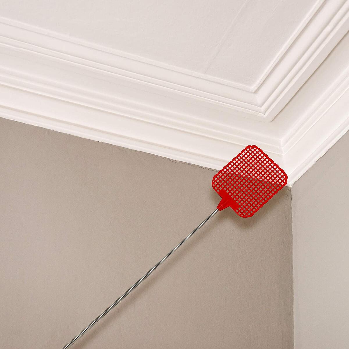 Catchmaster Extra-Long Bug and Fly Swatter - Compact Heavy Duty Metal and Extendable Up to 28 Inches - 3.25