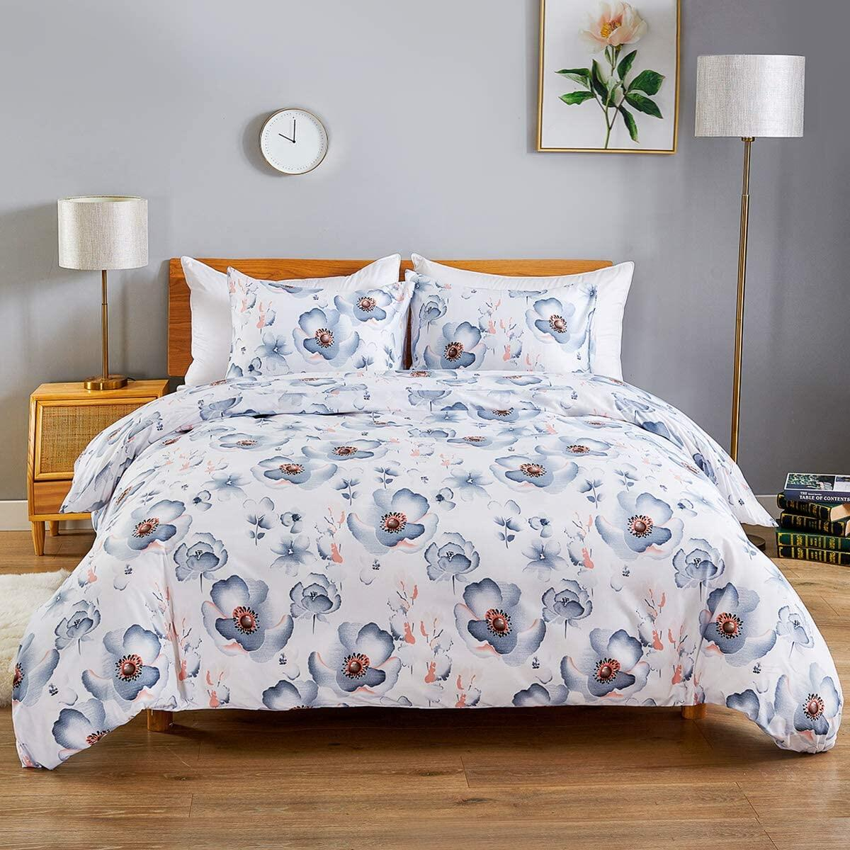 WARMDERN Duvet Cover Set Blue Floral Microfiber Bedding Set Ultra Soft Duvet Cover Set with Zipper Closure & Ties Corner, 3pc 1 Duvet Cover and 2 Pillowcases (Queen, Blue)