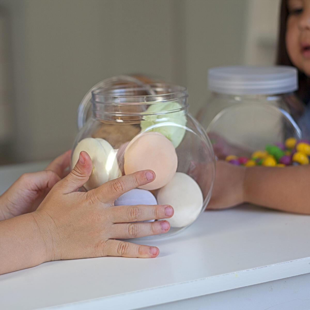 Cookie jars for kitchen counter