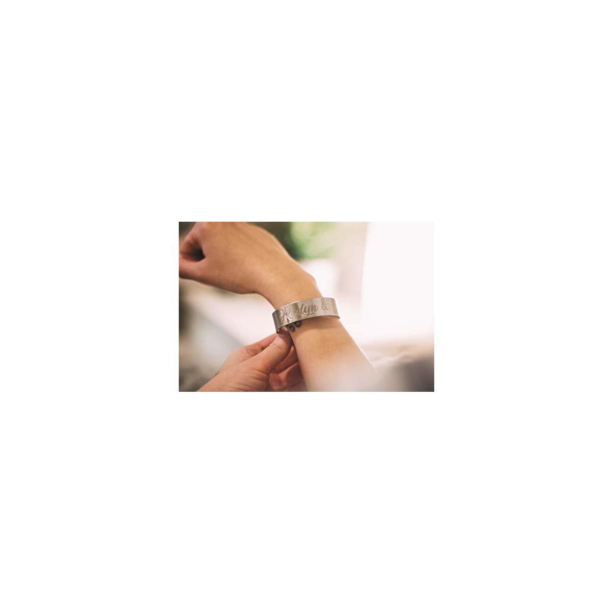 Custom Personalized Bracelet. Simple Customized Stainless Steel Single Bracelet for Women or Men