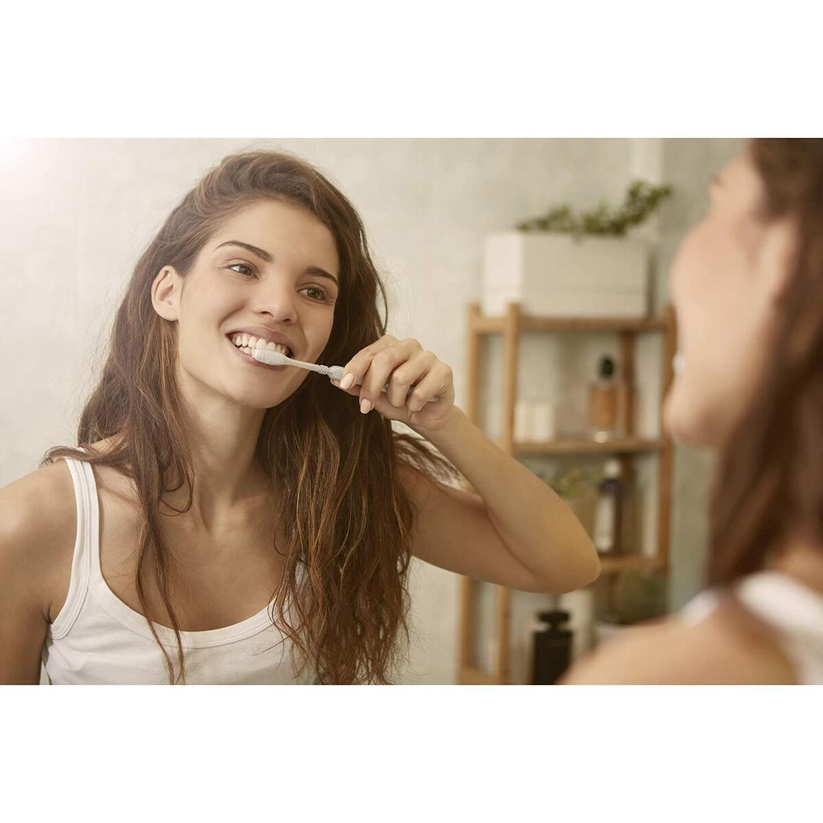 Organic Charcoal Toothpaste - Natural & Gentle Solution to Teeth Whitening